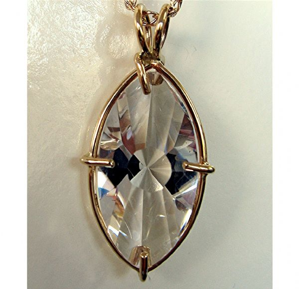Infinite Eye Vogel Pendant: 14k Gold Clear Quartz